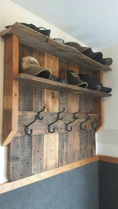 Entertaining DIY wood projects for home and garden from old wooden pallets .Entertaining DIY wood projects for home and garden from old wooden pallets . Wooden Pallet Projects, Diy Pallet Furniture, Wooden Pallets, Furniture Ideas, Furniture Design, Old Wood Projects, Pallet Home Decor, Rustic Furniture, Antique Furniture
