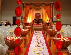 Indian Mandap, wedding arch, wedding decor  #indianwedding, #shaadibazaar www.weddignsonline.in