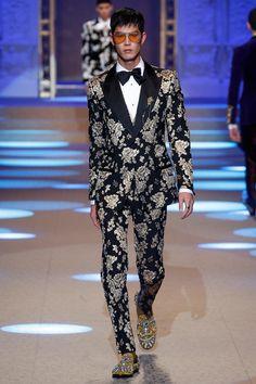 Dolce & Gabbana Fall 2018 Menswear Fashion Show Collection