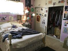 Here's How 'Lady Bird' Created an Iconic Teenage Bedroom From Scratch is part of Teenage bedroom - Ahead of the Oscars, Apartment Therapy spoke to production designer Chris Jones about how the team made a room right out of our 2003 memories Stylish Bedroom, Cozy Bedroom, Bedroom Inspo, Dream Bedroom, Modern Bedroom, Bedroom Decor, Contemporary Bedroom, Bedroom Ideas, Bedroom Furniture
