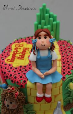 Gold Winning Wizard Of Oz Cake From Cake International Manchester 2015 Cake International, Wizard Of Oz, Celebration Cakes, Manchester, Princess Peach, Competition, Facebook, Recipe, Celebrities
