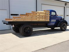 1937 CHEVROLET 1 1/2 TON FLATBED TRUCK - Barrett-Jackson Auction Company - World's Greatest Collector Car Auctions
