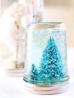 10 Mason Jar DIYs to Get You Into the Holiday Spirit
