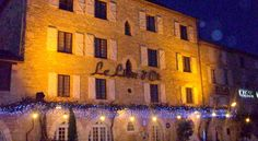 Le Lion d'Or Gramat Set on the heights of the Causses du Quercy Regional Park, this hotel is 9 km from the historical town of Rocamadour. It features a terrace and rooms with free Wi-Fi.