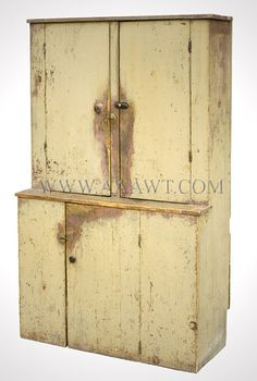 Antique Furniture_Cupboards, Built-in Cupboards, Hanging Cupboards Primitive Cabinets, Primitive Furniture, Country Furniture, Country Decor, Vintage Furniture, Painted Furniture, Primitive Labels, Primitive Bedroom, Country Homes