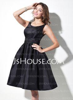 A-Line/Princess Scoop Neck Knee-Length Taffeta Bridesmaid Dresses With Ruffle (007021291) - JJsHouse