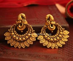 Bold Antique Earrings From Manubhai Jewellers ~ South India Jewels Gold Jhumka Earrings, Indian Jewelry Earrings, Jewelry Design Earrings, Gold Earrings Designs, Gold Jewellery Design, Antique Earrings, Bridal Jewelry, Gold Jewelry, India Jewelry