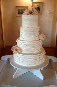 wedding cake on pinterest ruffled wedding cakes ruffles and wedding