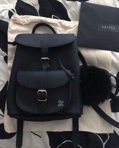 My dangerous possessive husband - Hand made ring (Past) - Glamzie - wattpad Cute Mini Backpacks, Stylish Backpacks, Girl Backpacks, Backpack Bags, Leather Backpack, Grafea Backpack, Black Backpack, Leather Bags, Fashion Bags