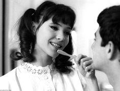 cinéma ᘠ anna karina et jean-claude brialy (french movie scene)