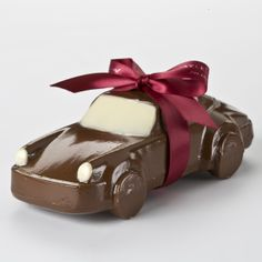 Not everyone can say they bought their Dad a Porsche. Now you can. www.gayleschocolates.com #fathersday #fathersdaygifts #chocolate #chocolategifts #uniquegifts #cars #automotivegifts #porsche