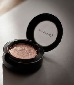 Must Have MAC Eye Shadows: These are the perfect colors to buy