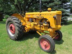 1951 Minneapolis-Moline Model U Wide Front MM Tractor Gas 2 John Deere Equipment, Old Farm Equipment, Antique Tractors, Vintage Tractors, Minneapolis Moline, Curvy Women, Old Things, Model, Tractors