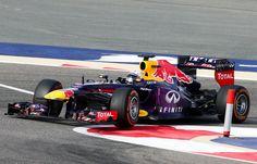 2013 GP Bahrajnu (Sebastian Vettel Mark) Red Bull RB9 - Renault