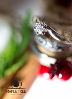 The engagement ring of Marie.