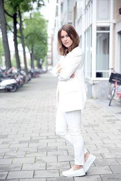 Sabrina Meijer // white blazer, jeans & sneakers #style #fashion #afterdrk
