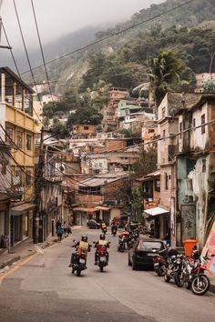 Visiting Rio de Janeiro (WishWishWish) - Travel Tips Rio Grande, Travel Tours, Travel Destinations, Travel Ideas, Favelas Brazil, Places Around The World, Around The Worlds, Visit Rio, Places To Travel