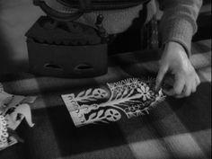 Polish beatiful  handicraft./Kurpiowskie wycinanki. Zdumiewająca precyzja i kunszt wykonania. [video]. (Repozytorium Cyfrowe Filmoteki Narodowej) #repozytoriumcyfrowe, #polish, #handicraft