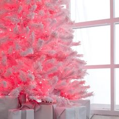 cotton candy pink flocked christmas tree. Ohh yes :) guess what's happening to my old tree!!!!!