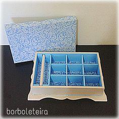 Caixa colonial para biju. Bege e azul :)