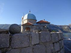 Parte externa da igrejinha Montenegro