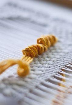 Tutorial on how to weave loops!