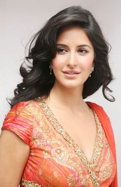 Katrina Kaif is one of the most popular actresses of Bollywood. We present to you her best HD and HQ photos from her movies, photo shoots and real-life. Katrina Kaif Wallpapers, Katrina Kaif Images, Katrina Kaif Photo, Bollywood Celebrities, Bollywood Actress, Bollywood Designer Sarees, Lakme Fashion Week, Belleza Natural, India Beauty