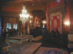 Victorian Manor, Victorian Interiors, House Interiors, Spooky House, Gothic House, Haunted Mansion, Types Of Houses, Restaurant Design, Old Houses