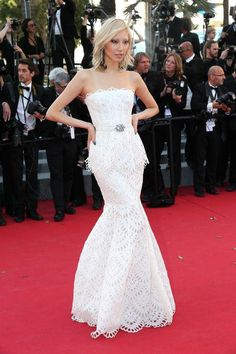 Soo-Joo Park in Oscar de la Renta at Cannes 2015