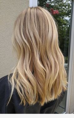 * Buttery blonde hair color Buttery blonde hair color This image has get 20 re. Awesome Super Buttery blonde hair c. Blonde Hair Shades, Blonde Hair Looks, Blonde Hair With Highlights, Balayage Hair Blonde, Brown Blonde Hair, Blonde Wig, Color Highlights, Blonde Color, Blonde Hair No Roots