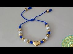 En este vídeo tutorial te voy a enseñar a como hacer una pulsera en hilo,este tipo de manualidades le puedes agregar otros tipos de accesorios de acuerdo a t... Handmade Beaded Jewelry, Handmade Bracelets, Wire Jewelry, Jewelery, Thread Bracelets, Beaded Bracelets, Diy Leather Bracelet, Diy Crafts For Gifts, Bff Gifts
