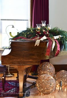 3 inspiring ways to decorate for the holidays: glamorous, rustic, traditional. Christmas decor from the Vankleek Hill Christmas Home Tour. Christmas Interiors, Christmas Living Rooms, Christmas Bedroom, Christmas Home, Christmas Holidays, Christmas Ideas, Christmas Music, Christmas Pictures, Holiday Ideas