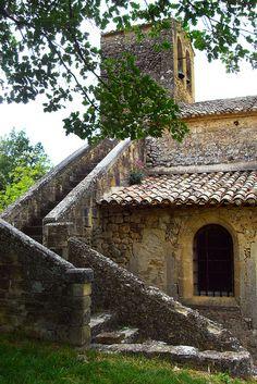 Vaugines, Eglise St-Barthélémy Staircase