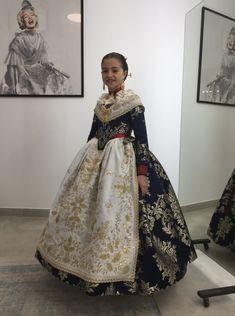 Regional, Victorian, Costumes, Dresses, Fashion, Vestidos, Sweater Vests, Moda, Dress Up Clothes