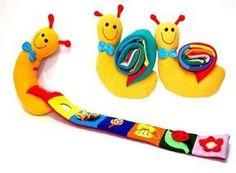 wie man Lehr- und Lernspielzeug aus Stoff oder - New Site Diy Quiet Books, Felt Quiet Books, Baby Crafts, Felt Crafts, Handmade Baby, Handmade Toys, Handgemachtes Baby, Diy Baby, Fabric Toys