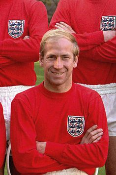 Bobby Charlton England World Cup Pictures and Photos England Football Players, England National Football Team, England Players, National Football Teams, Retro Football, World Football, Football Season, Manchester United Soccer, Leeds United