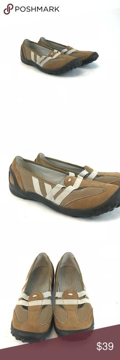 Privo womans slip on comfort shoes Pre-owned Brown Privo womans slip on comfort shoes. A contemporary aesthetic meets light-touch deconstructed footwear engineering to give optimal comfort.  Woman's size 8M.  See pictures for condition.    (1239) Privo Shoes Flats & Loafers