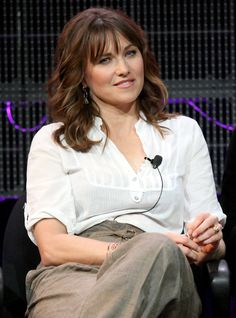 Lucy Lawless Photos - Actor Lucy Lawless speaks during the 'Spartacus: Gods of the Arena' panel at the Starz portion of the 2011 Winter TCA press tour held at the Langham Hotel on January 2011 in Pasadena, California. Lucy Lawless, Princess Pictures, Xena Warrior Princess, Hottest Female Celebrities, Woman Movie, Press Tour, Le Jolie, Hollywood Actor, Lucy Liu