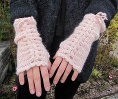 corsetted wrist warmers