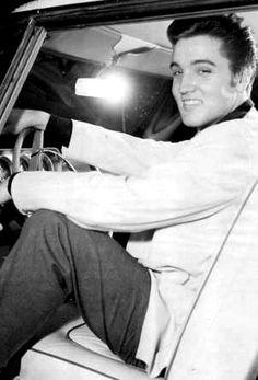 Elvis at Graceland august 21 1957.