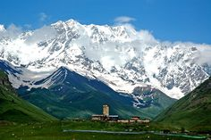 #ExpediaThePlanetD after Tbilisi I'd head to Svaneti, a Georgian region in the heart of Caucasus mountains famous for its towers and breathtaking views! So bad I missed it last year!