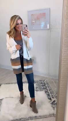 This new striped cardigan is so wonderfully cuddly! size fall outfits videos Through All The Days Striped Cardigan Winter Outfits For Work, Casual Winter Outfits, Spring Outfits, Casual Church Outfits, Winter Teacher Outfits, Teacher Outfit Summer, Cold Spring Outfit, Church Outfit Winter, Young Teacher Outfits