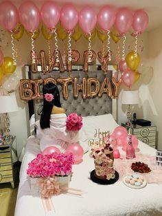 Birthday Goals, Diy Birthday, Birthday Ideas, Birthday Decorations At Home, Balloon Decorations Party, 21st Bday Ideas, Birthday Party Photography, Birthday Girl Pictures, Sleepover Birthday Parties