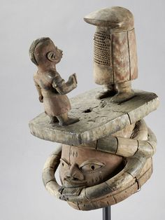 YORUBA MASK Nigeria. H 41 cm. Dance mask of gelede -Bundes from the southwest of the Yoruba country