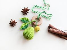 Light green and yellow  pear Teething Necklace / Teething Toy Breastfeeding  Crochet Nursing Necklace / Eco-friendly jewellry / for  babies