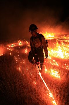 Pin by National Interagency Fire Center on Firefighters in Action . Firefighter Paramedic, Firefighter Love, Wildland Firefighter, Volunteer Firefighter, Firefighters, Firemen, Fire Dept, Fire Department, Bushfires In Australia