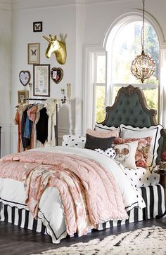 Sans the creepy skull pillow, - love this look