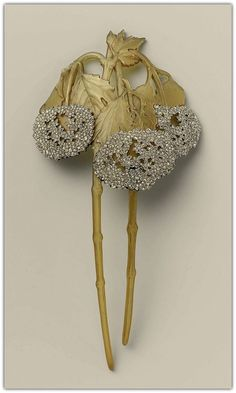 René Lalique | Horn, Diamond & Gold Comb - 1900.