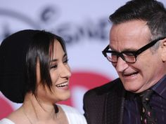 Zelda Williams speaks out about losing her father, Robin Williams, in an emotional, beautiful tribute