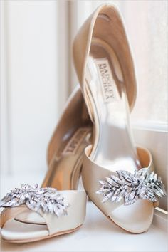 Badgley Mischka wedding shoes #bride #weddingshoes #weddingchicks http://www.weddingchicks.com/2014/03/14/charming-chattanooga-wedding/